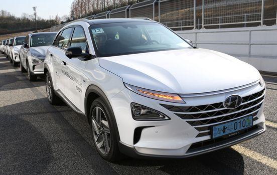 【车tt】试驾现代汽车氢燃料电池车nexo