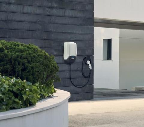 福特提供北美最大电动汽车充电网络还与亚马逊合作家庭充电方案