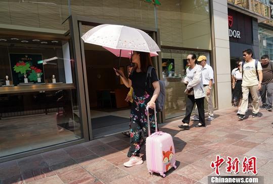 香港议员忧若暴力不止 旅行社春节后恐现倒闭潮