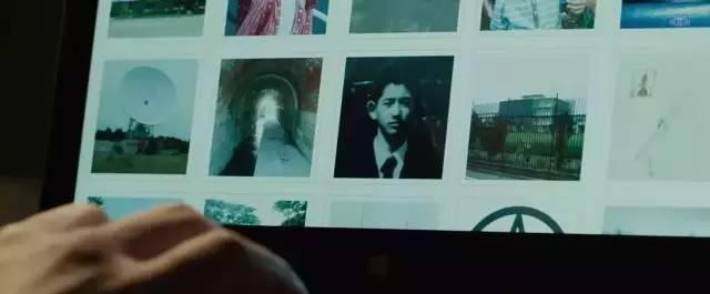 在同时,他们的宿弃里收到了一张疑似铃木的女友藤泽美代子拍的AV碟片……
