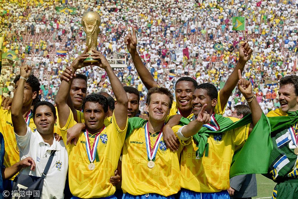历届世界杯捧杯瞬间 哪一次你印象最深图片