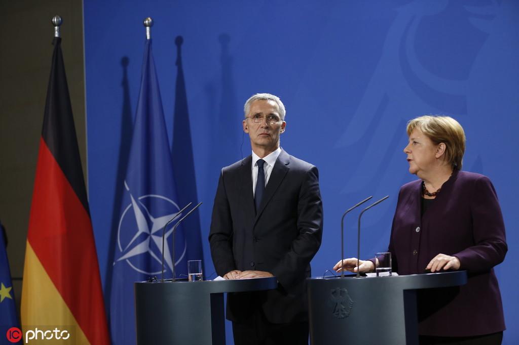 11月7日,德国总理默克尔和欧盟秘书长斯托尔滕贝格在德国总理府 @IC Photo