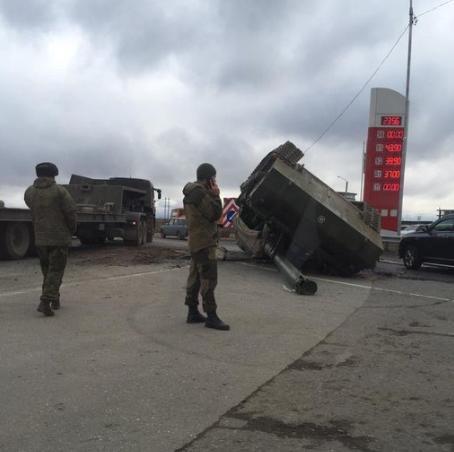 又一悲剧!俄罗斯士兵弄坏270万元炮管,赔偿费得不吃不喝干80年