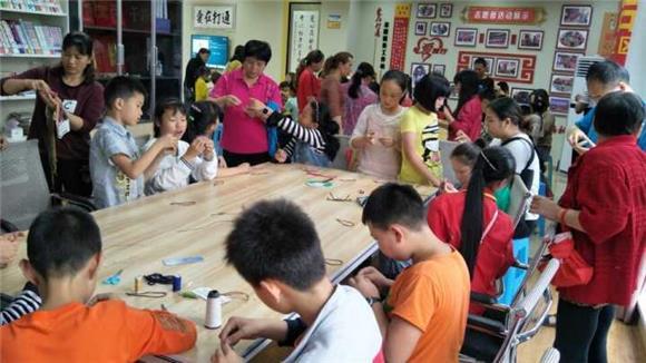 """綦江打通镇:兴隆湾社区""""四点半课堂""""开展手"""