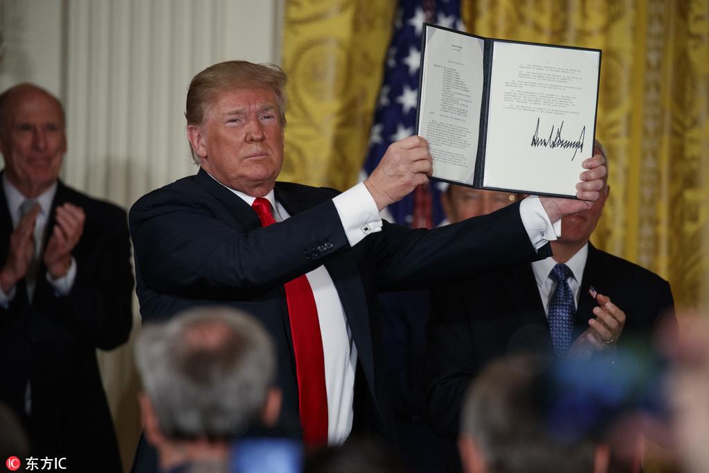 特朗普签署太空军,俄罗斯警告