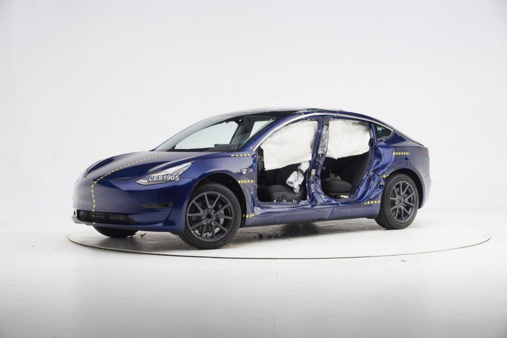 特斯拉 Model 3 将 IIHS Top Safety Pick +添加到其安全奖项中