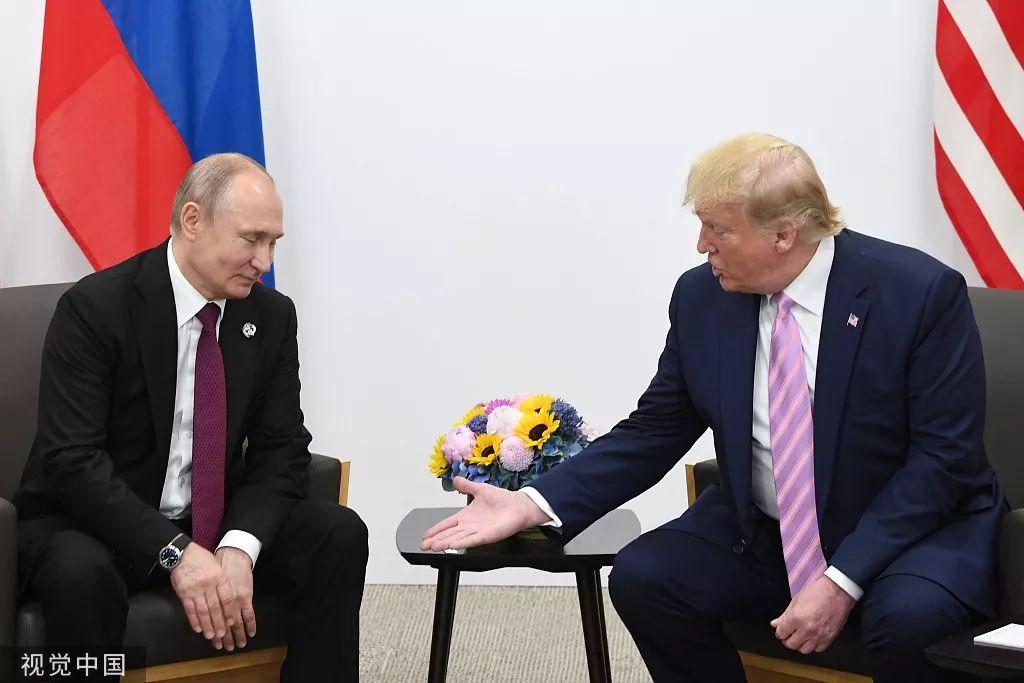 G20大阪峰会上,川普与普京举行双边会谈。/视觉中国