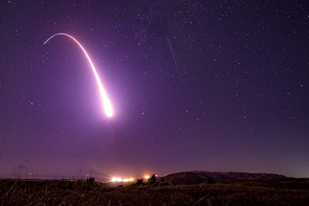 美军砸1亿美元研发再入飞行器 可携带核弹头