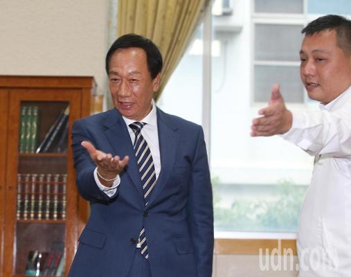 台媒体人赵少康将成为竞选总干事?郭台铭回应