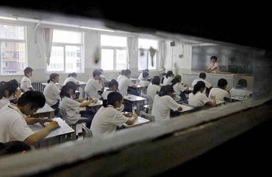 正在上课的学生们。资料图