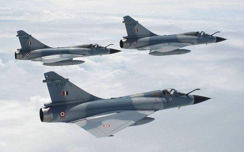 """印度空军""""幻影""""-2000战机编?#21360;?资料图"""