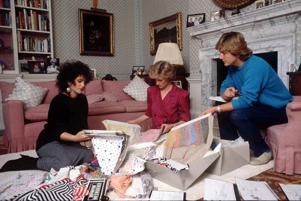 August 6 1986 Diana meets with David and Elizabeth Emanuel at Kensington Palace