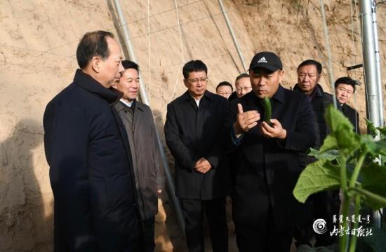 石泰峰:切实走好以生态优先绿色发展为导向的高质量发展新路子