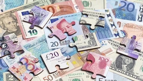 """人民币汇率离""""7""""一步之遥 央行加息在即?"""