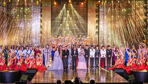 一带一路 国际时尚周开启,超20国明星 点燃 西安
