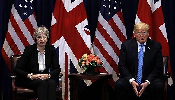 2018年9月26日,美国纽约,第73届联合国大会期间,英国首相特蕾莎·梅与美国总统特朗普举行会晤。图片来源:视觉中国