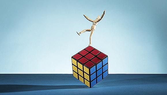 跨界并购:天龙集团两年亏12亿 还面临暂停上市风险