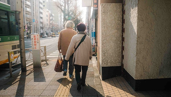 日本提议养老金起始年龄区间扩至75岁 越晚领拿越多