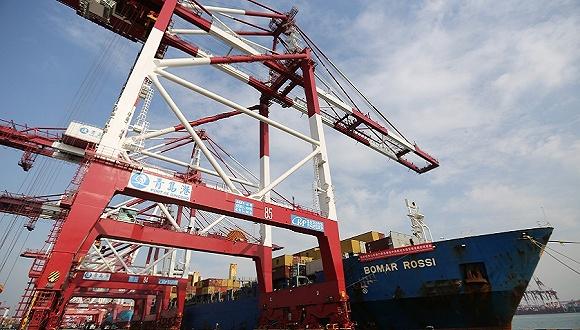中国进出口跌势放缓,10月贸易顺差环比上升8%