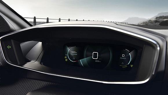 裸眼3D仪表、曲面多形态屏等新技术的运用让车辆座舱不再单调无趣