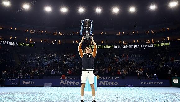 从陪练到ATP总决赛冠军,希腊少年西西帕斯凭什么能做到?