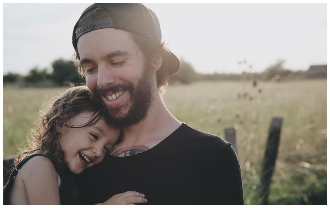 """""""女儿像爹,儿子像妈"""",除了长相外,爸爸还有5点遗传给女儿"""