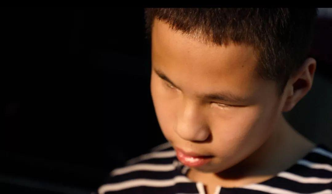 超励志!广州男童出生即失明还患上癫痫,但一