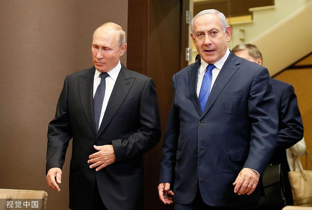 當地時間9月12日,俄羅斯總統普京會晤到訪的以色列總理內塔尼亞胡。圖/視覺中國