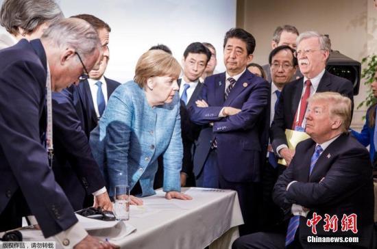 6月9日晚,德国总理默克尔的团队在推特上发布了一张在加拿大七国集团峰会第二天拍摄的照片。