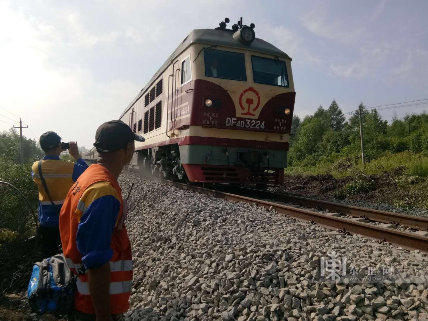 60小时昼夜抢险 黑龙江水害铁路线路全部恢复通车