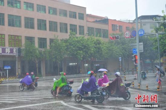 """台风""""温比亚""""将登陆华东 """"贝碧嘉""""再次加强"""