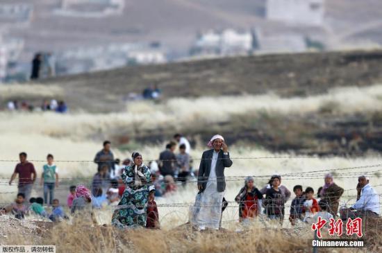 俄军向叙拉卡地区提供人道主义援助 曾为IS占领区