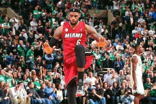 盘点NBA球星进球后的招牌动作,科比没有詹姆斯迷人图片