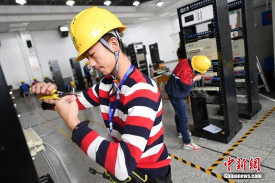 2017年10月,山西举办计算机技能大赛,提升学生就业竞争力。武俊杰 摄