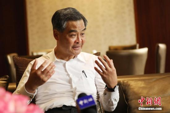 资料图:梁振英接受采访。 中新社记者 泱波 摄