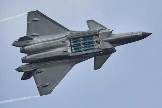 图为歼-20战斗机