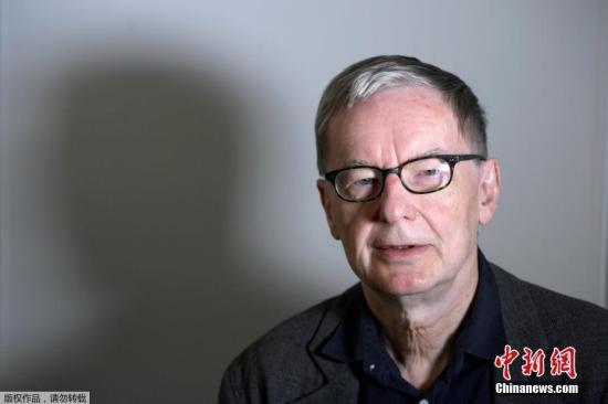 資料圖:2018年5月4日,瑞典學院代理常任祕書長Anders Olsson宣佈,推遲頒發2018年諾貝爾文學獎。