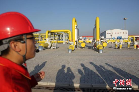 资料图:陕西榆林压气站。中新社记者 苏丹 摄