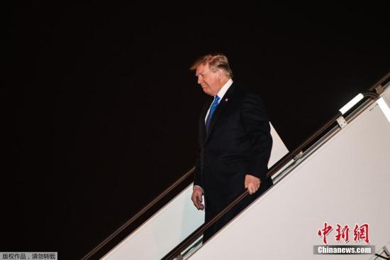 资料图:美国总统川普已经抵达越南河内,将于27日开启与朝鲜最高领导人金正恩的会谈。