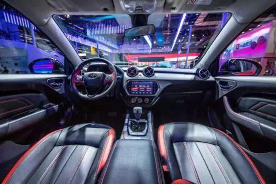 上海车展:2019款东南DX3来了,标配独立后悬,税惠价6.29万起