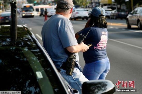 美国费城枪案:与警方对峙枪手被捕 受伤警察出院bet356体育在线