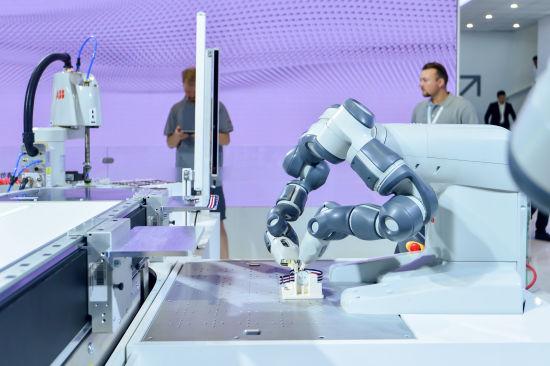 ABB携数字化和自动化解决方案亮相第21届中国工博会