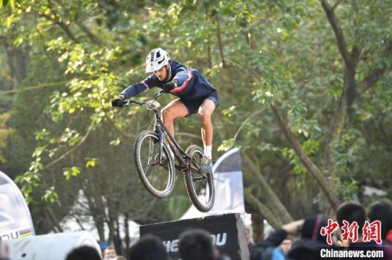 2019年都市自行车世界锦标赛开赛 选手争夺奥运资格积分