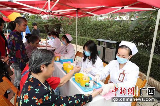 广西医科大一附院举行联合国糖尿病日主题义诊