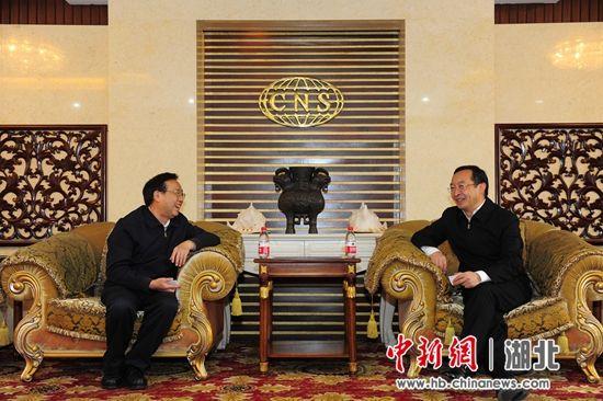 王国斌参观访问中国新闻社