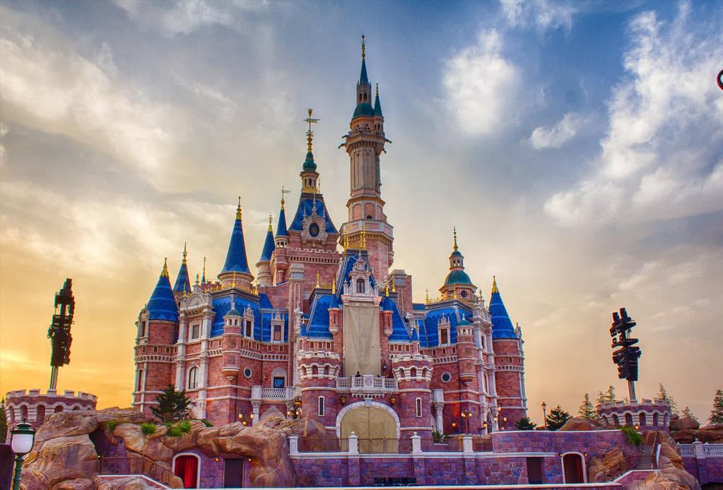 疫情下迪士尼高管集体减薪,位于全球各地的主题公园将无限期关闭