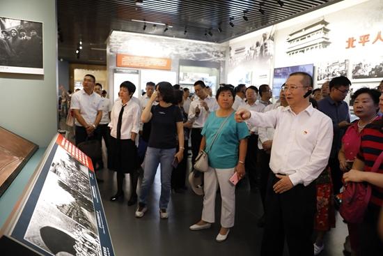 昌平区四套班子领导到北京香山革命纪念地瞻仰学习
