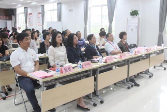 上海健康医学院携手界浜村:让思政课走进新农村卫生健康第一线