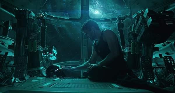 《复仇者联盟4》钢铁侠被他救了?漫威VR游戏暗示剧情