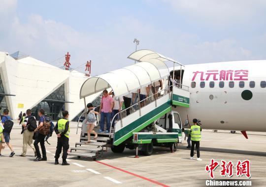 广东惠州机场因台风影响取消全部航班